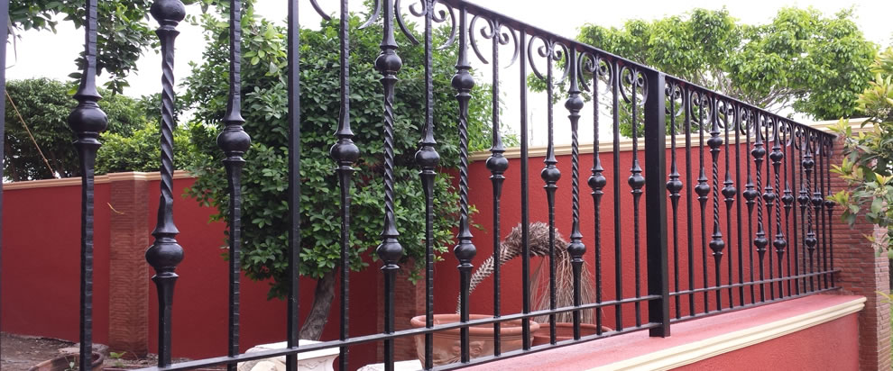 Gate And Fence Railing and Balcony Railing