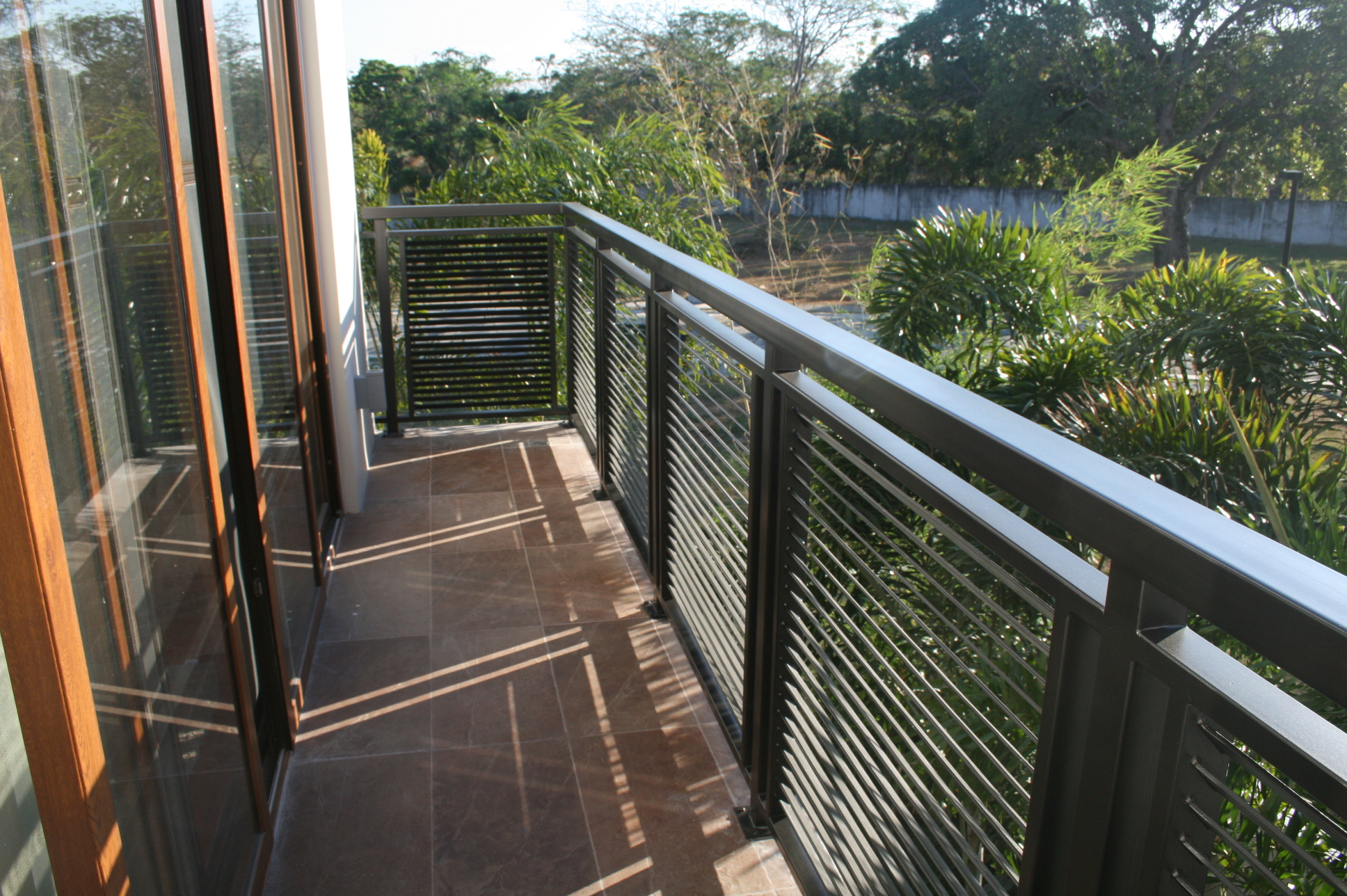 Modern balcony grills joy studio design gallery best for Balcony handrail